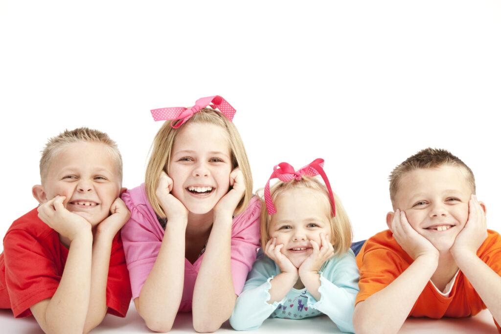 børnefødselsdag i København med glade børn der smiler og griner