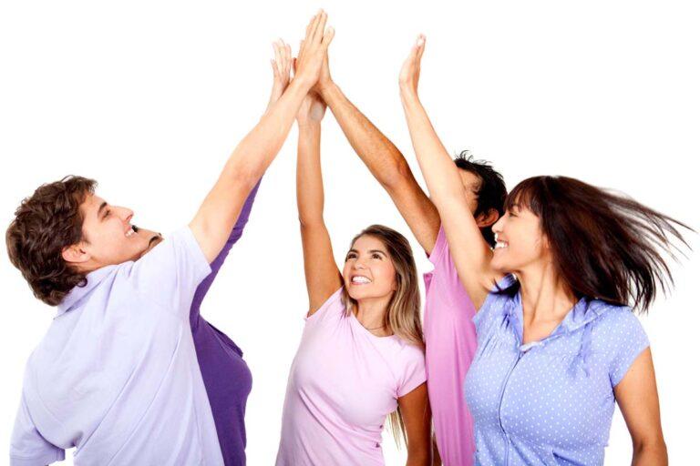 Book en fantastisk polterabend hvor alle giver high five.